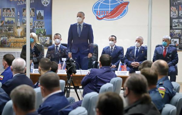 SPACE STATION'S SOLAR PANELS, WINDOWS HAVE MARKS OF MICRO METEOR DAMAGE — COSMONAUT