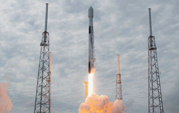 SPACEX JUST LAUNCHED ITS 100TH SUCCESSFUL FALCON ROCKET FLIGHT. YES, THERE'S A VIDEO.