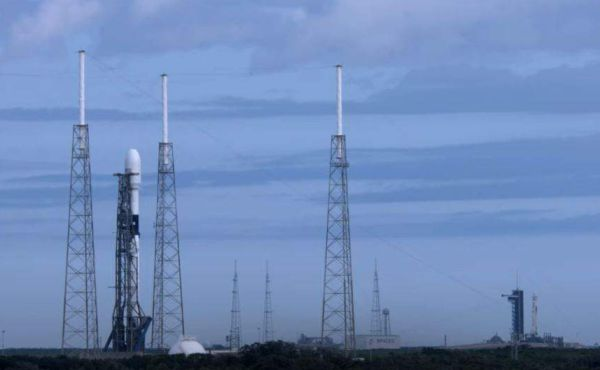 SPACEX LINING UP 2 LAUNCHES FROM CA AND FL ON SAME DAY