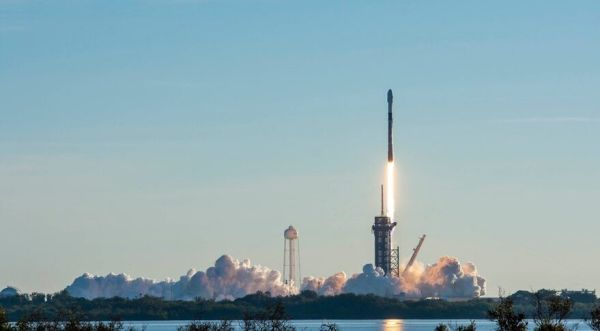 SpaceX surpasses 1,000-satellite mark in latest Starlink launch
