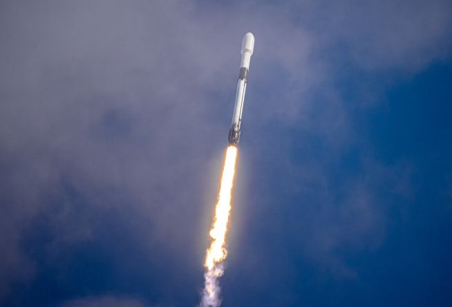SPACEX LAUNCHES 134 SATELLITES INTO ORBIT, MOST EVER
