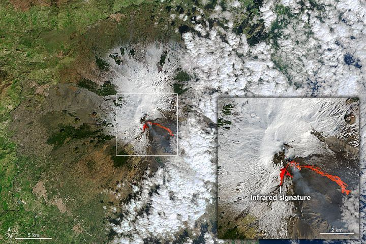 MOUNT ETNA'S FIERY ERUPTIONS SEEN FROM SPACE (SATELLITE PHOTOS)